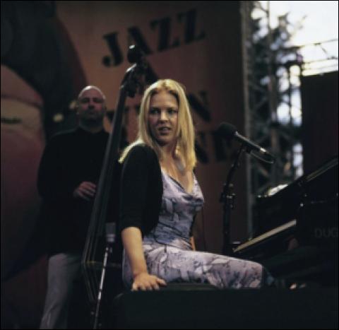 Diana Krall, una gran dama del Jazz de las de antes, por @Musicliveislife