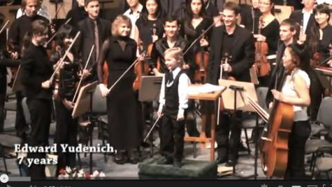Director de orquesta con 7 años [video] | Musikawa